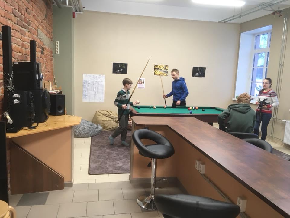 Noortekeskus kolis